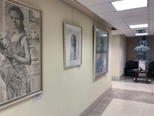 «Творчество как исповедь» — в Совете Федерации открылась выставка Олега Закоморного.