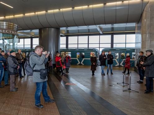 Открытие выставка проекта «Бестиарий» на станции метро Воробьевы горы 12 февраля 2020. Олег Закоморный. Фото Марии Тихоновой