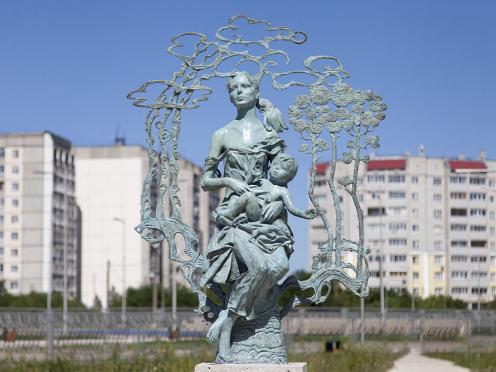 Скульптура Олега Закоморного установлена в Твери